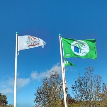 Cian O'Neill & Fiona O'Loughlin Raise Green Flag